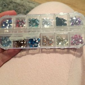 Other - 12 slot container with nail art hearts